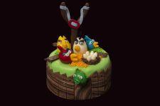 """Marcipánový dort """" Angry Birds """". Cena 1200 Kč.  Termín objednání  1 týden."""